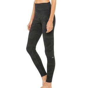Alo Yoga High-Waist Camo Leggings Size Large